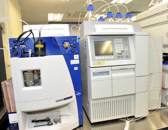 Tandem mass spectrometry (left) and liquid chromatography are used to identify 30 kinds of IEM.